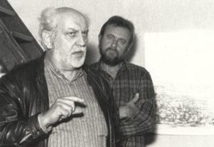 Acteur - regisseur Rudi van Vlaenderen opent de tentoonstelling in het atelier, december 1998.