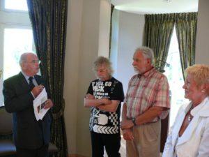 Inleiding door Julien VREBOS en burgemeester van Beersel Hugo CASAER op vernissage in kasteel van Huizingen