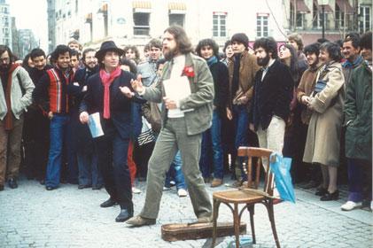 Happening: improvisaties en straatanimaties in Parijs 1968-1973