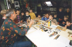 Jacky welcomes numerous schools, groups and associations: studio visit, introduction to a variety of drawing and painting techniques followed by a demonstration.