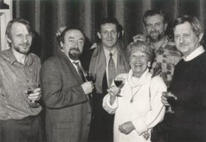 Architect Paul Van Praet, acteur Paul Ricour, auteur Jef Elbers, actrice Alice Toen en regisseur Gie Lavigne in atelier-expo op 27 november 1992.