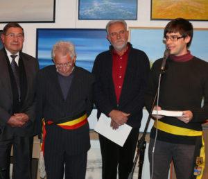 Herman SCHIETSE, burgemeester Stefaan PLATTEAU, Jacky en schepen voor cultuur Jef VANDEROOST