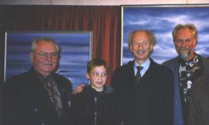 De Russische cosmonout German S. Titov en astronaut burggraaf Dirk Frimout op tentoonstelling in het casino van Koksijde op 21 oktober 1998